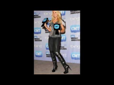 Carrie Underwood Shows off Her Leather Pants