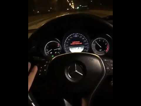 Arabada Müzik Durum Snap Mercedes HD Kalite Video.