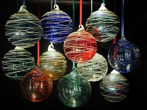 10+ Awesome Glass Christmas Ornaments