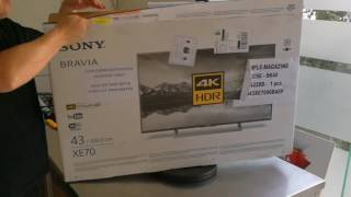 Sony XE70 unboxing television
