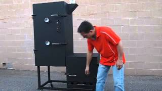 Vertical Offset Smoker With Side Mounted Exhaust
