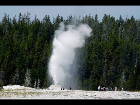 Yellowstone Old Faithful Geyser