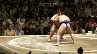 20100509 大相撲5月場所初日稀勢の里VS鶴竜.