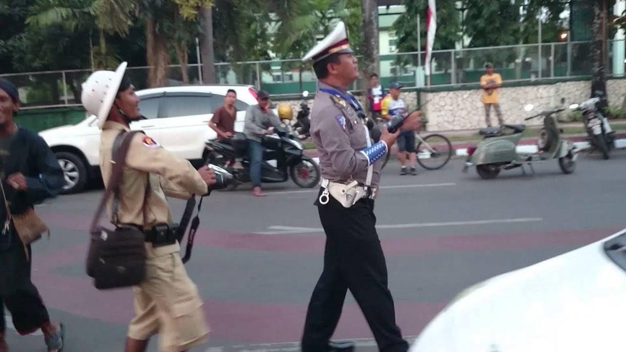 AKSI POLISI LUCU BIKIN NGAKAK YouTube
