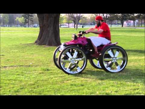 4-wheeler on 28's doing donuts