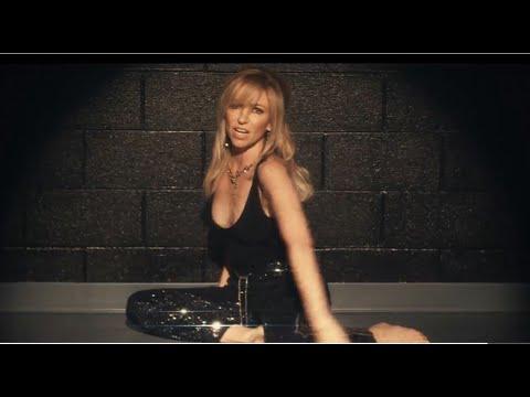 Смотреть клип Debbie Gibson - One Step Closer