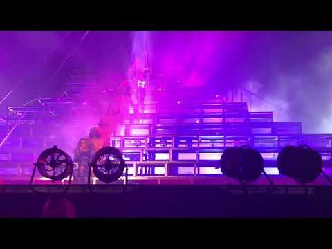 Beyoncé - Interlude / Partition (Coachella Weekend 1)