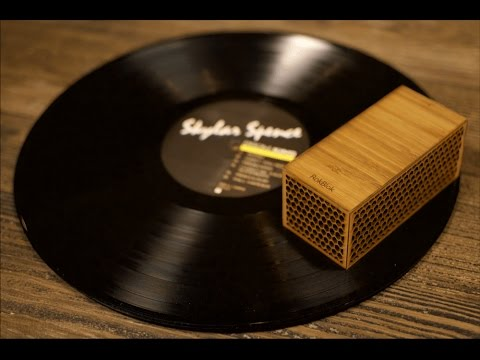 This block is a tiny spinning record player