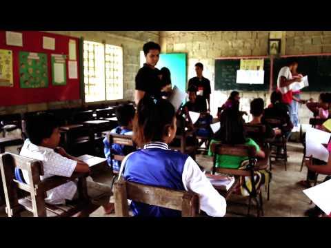 Vlog: Baseline survey in Haiyan-hit areas | World Vision