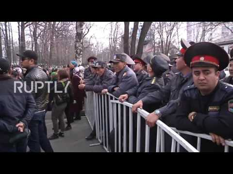 Kyrgyzstan: Dozens detained as pro-Japarov protesters clash with police