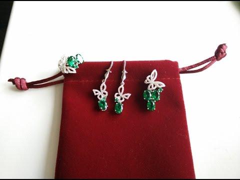 Серебряный набор из Китая с Изумрудами, кулон, кольцо, серьги 925 пробы