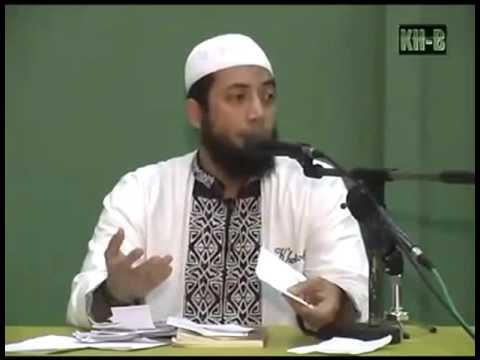 hukum memakai cincin kawin yang terbuat dari emas bagi laki laki Muslim