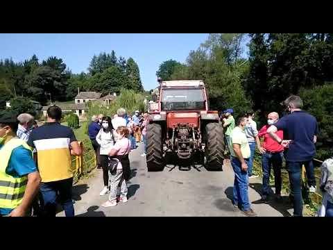 Decenas de personas se concentran contra el límite de tonelaje en el puente de Uriz
