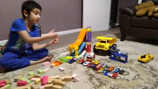 Parsa is making a road tunnel using wooden blocks