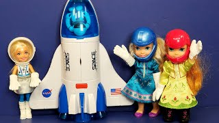 Space Explorers ! Elsa & Anna Toddlers & Chelsea Fly To The Moon - Barbie - Spaceship