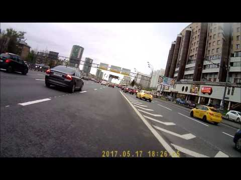 2017.05.17 driver attacks cyclist on the bus lane