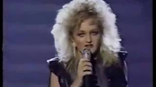 Скачать Bonnie Tyler Total Eclipse Of The Heart Official Live Video HD