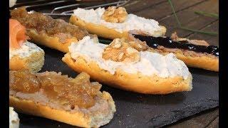 Cómo hacer tostas variadas de queso crema y foie-gras  Receta de tostas variadas FÁCILES