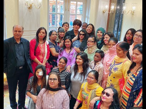 Shah Rukh Khan With The Acid Attack Survivors During A Meer Foundation Meeting Mp3