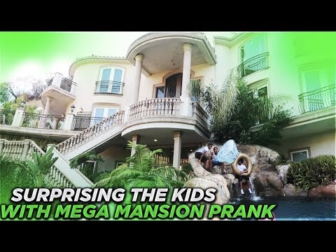 SURPRISING THE KID'S WITH A MEGA MANSION PRANK!!