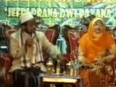 duet-ceramahustedy-rahmatullah-nyai-sulastri-pengajian-di-lamongan