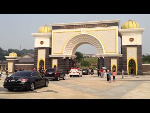 Malaysian King Independence Day 2015 motorcade