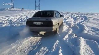 Opel Vectra 2.0 CDX Snow off-road!