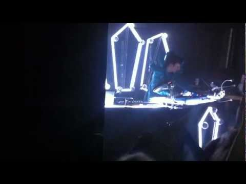 Totally Enormous Extinct Dinosaurs @ CYNT, Cardiff 2012 Household Goods
