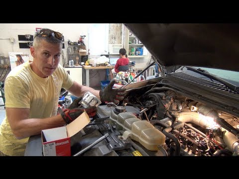 Ford PowerStroke 73 fuel filter re and re and fuel priming Save