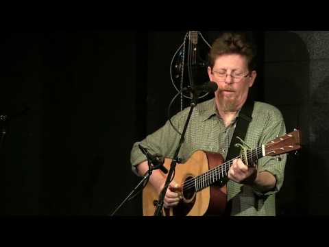 Tim O'Brien - The Water is Wise - Live at McCabe's