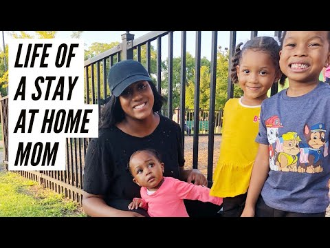 WHAT IT'S LIKE BEING A STAY AT HOME MOM!!