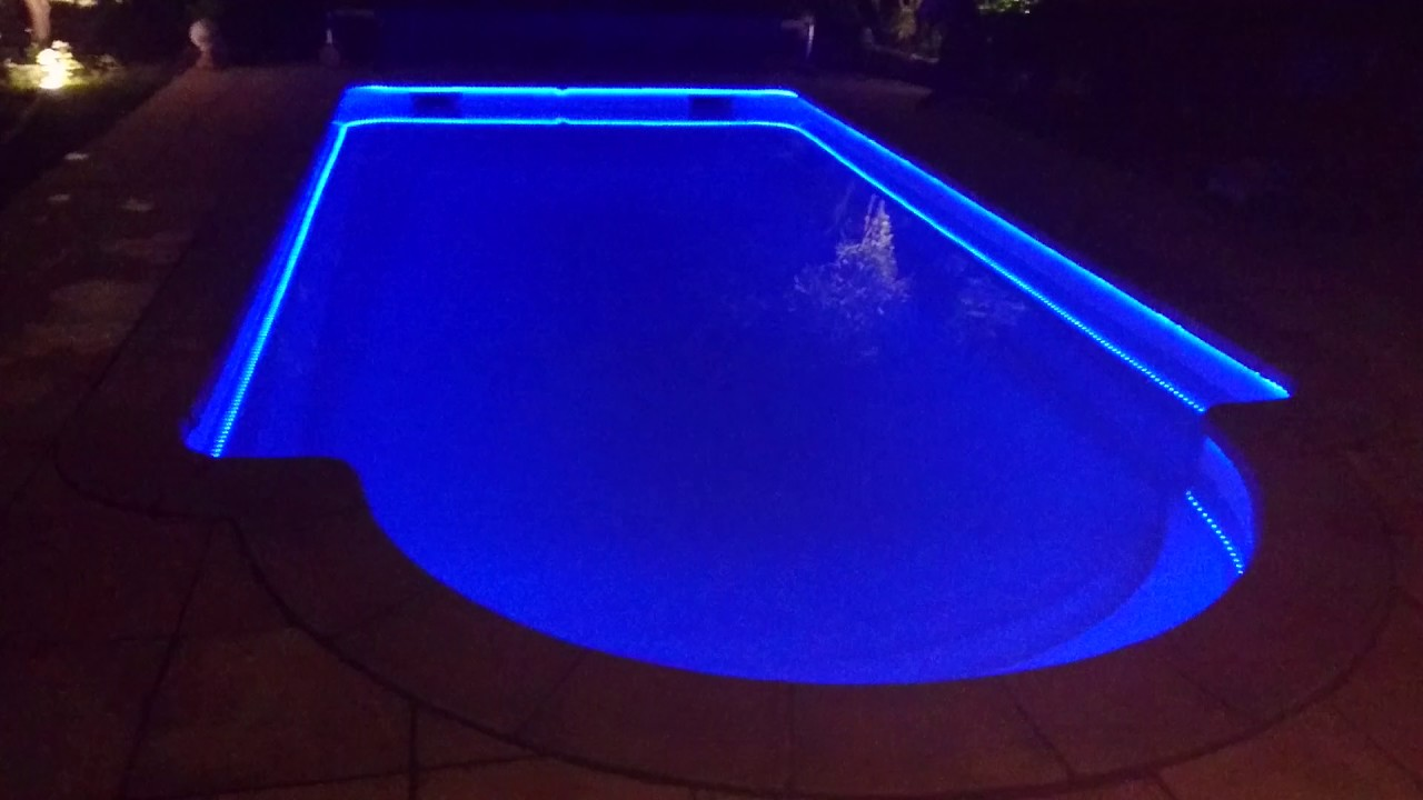 Clairage piscine galon led ip68 youtube for Lampe piscine bois
