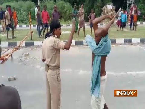 Bihar: Irate crowd launches 'lathicharge' on police in Madhepura
