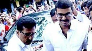ilayathalapathy vijay casts his vote in neelankarai tamil nadu election 2016