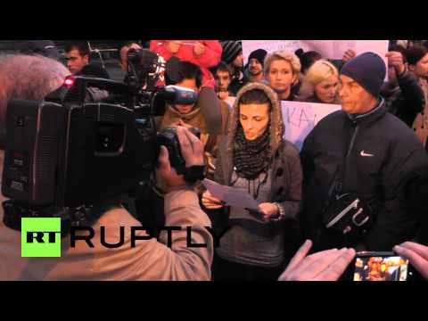 Bosnia and Herzegovina: Protesters reconvene outside Presidential Palace