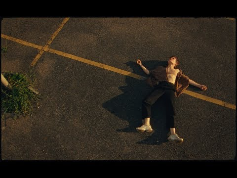 Christine and the Queens - Doesn't matter (Official Music Video)
