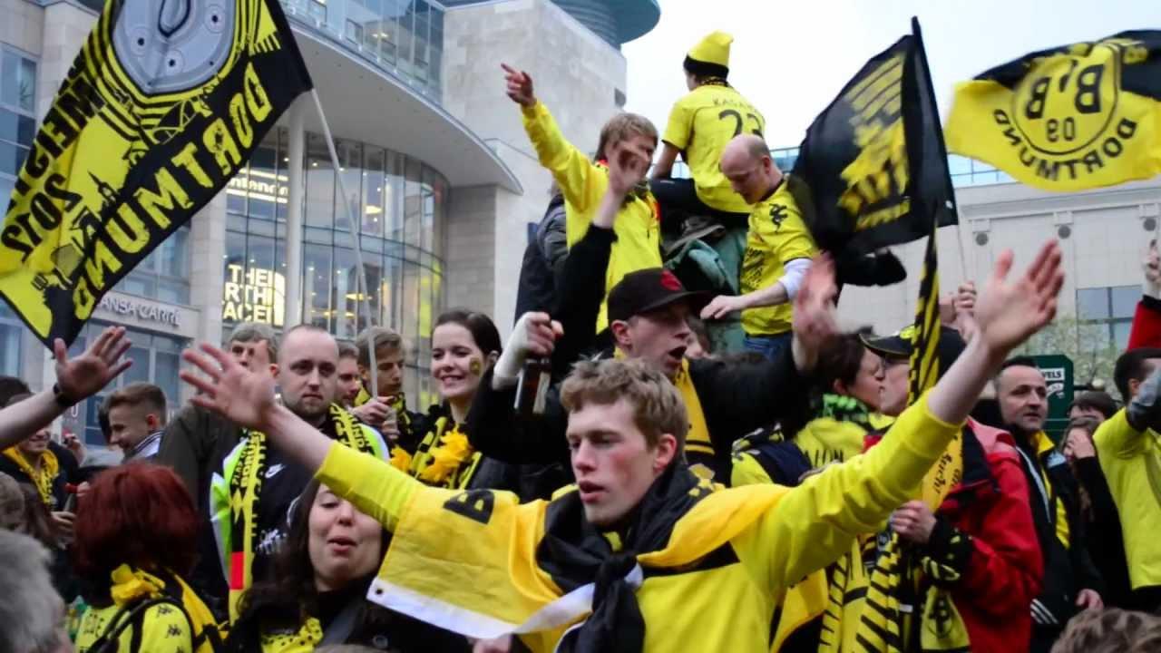 Dortmund feiert den BVB 09 .  So feiert Dortmund 5.5.2012