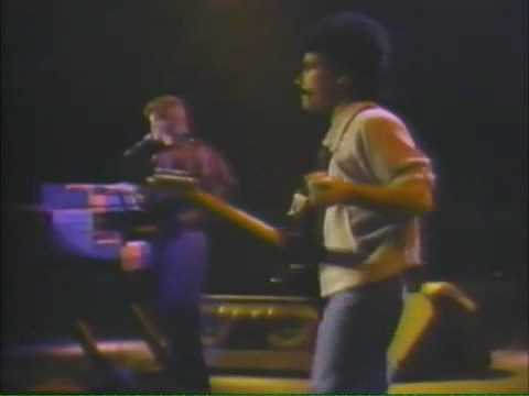 Hall & Oates - I Can't Go For That (1983)