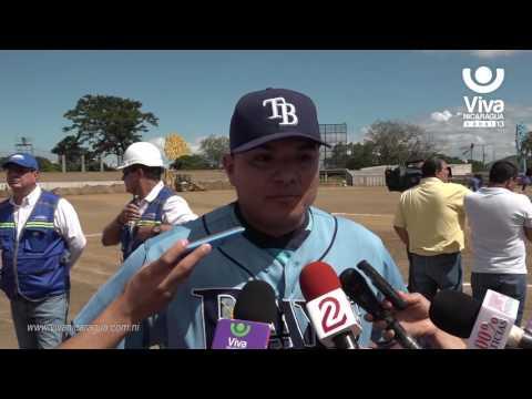 Grandes Ligas Erasmo y JC Ramírez recorren nuevo Estadio Nacional de Béisbol