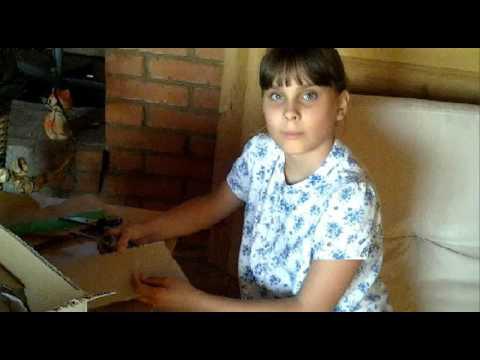 видео: Как сделать двухэтажную кровать для кукол? ||| Самоделкина ТВ