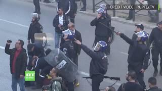Algérie : quelques heurts entre la police et les manifestants venus protester contre Bouteflika