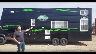 The BIG Northern Lights II 5th wheel - Check out the Kitchen area