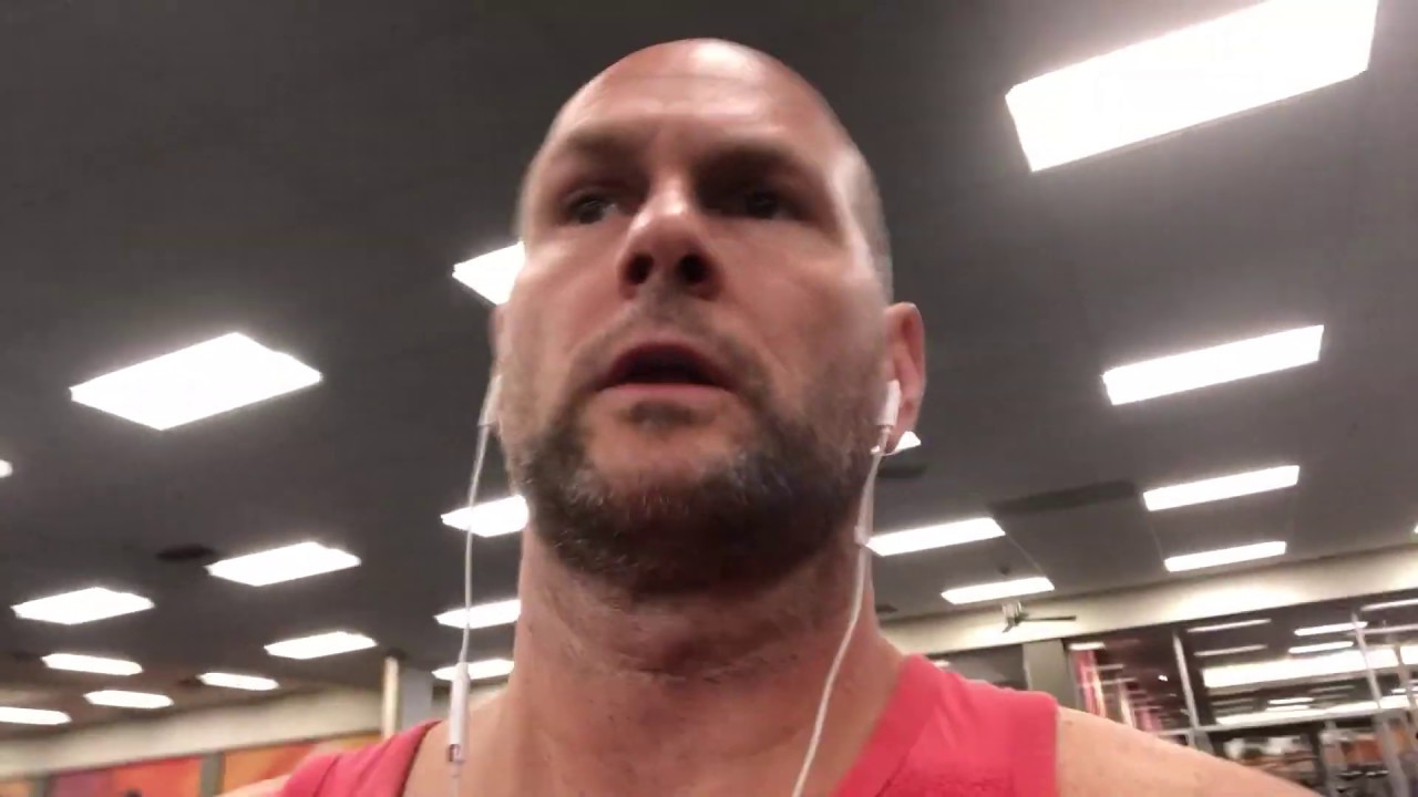 Rich Celenza Shows You Why La Fitness Oceanside California Is His Favorite Gym In North America