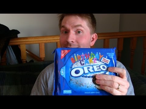 Birthday Cake Flavored Oreos - Review