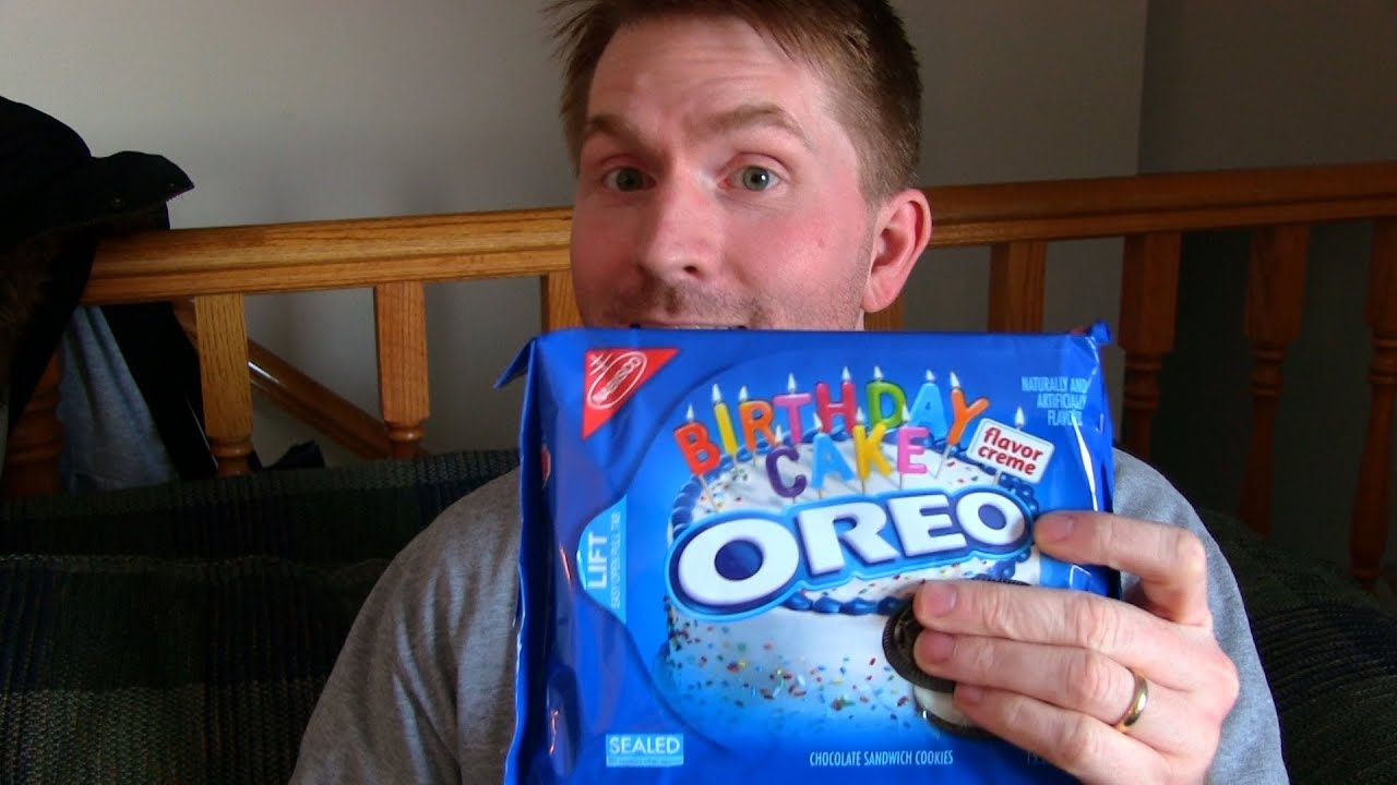 Birthday Cake Flavored Oreos Review Youtube