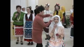 Ревю на добруджански носии_3 - Калина Михайлова (годенишки костюм и забраждане)