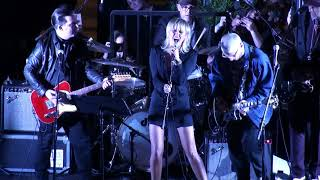 Miley Cyrus performs The Doors Roadhouse Blues at the Sunset Marquis Hotel