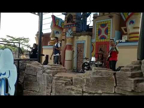 Band jakarta cover wonder woman