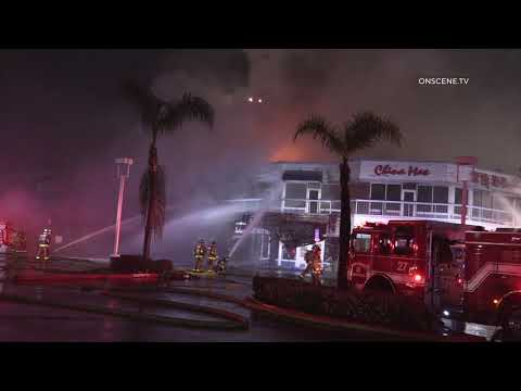 San Diego: 3 Alarm Fire Destroys Large Portion Of Shopping Mall 04062020