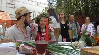 Национальная белорусская свадьба в центре Минска